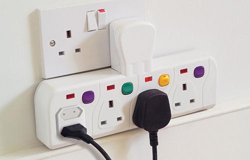 Có sự khác nhau trong việc sử dụng điện áp 110V và 220V giữa các nước trên thế giới?