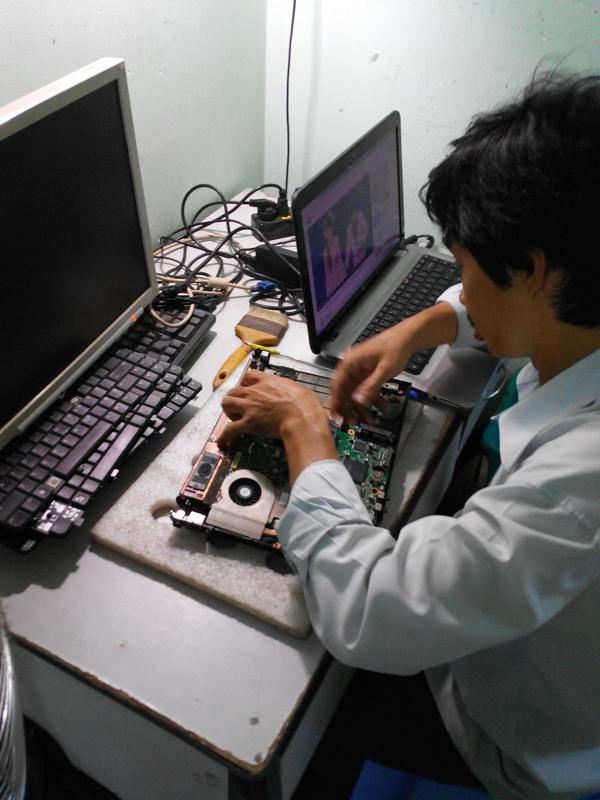 Chuyên phục hồi Pin laptop bị chai giá sinh viên