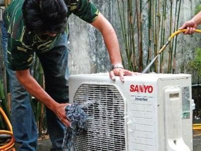 Sửa chữa  máy lạnh chuyên nghiệp tại Tp.HCM